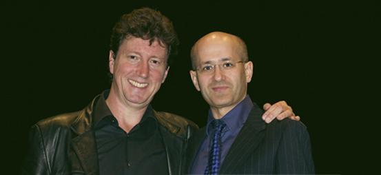 Angel Agrela con Carlos Cuesta conen un concierto del grupo orquestal Atelier Combau